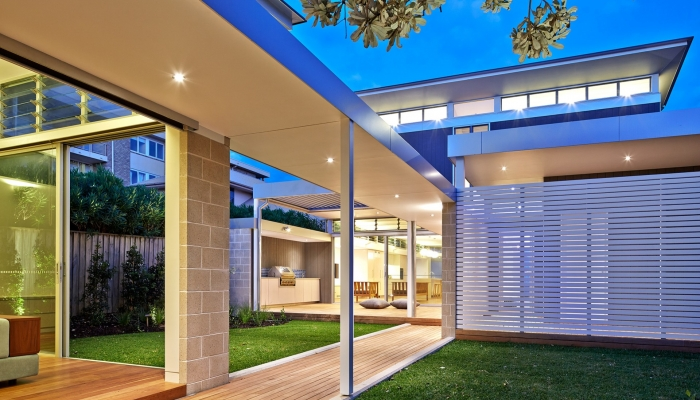Mona Vale - Exterior, Back, Evening