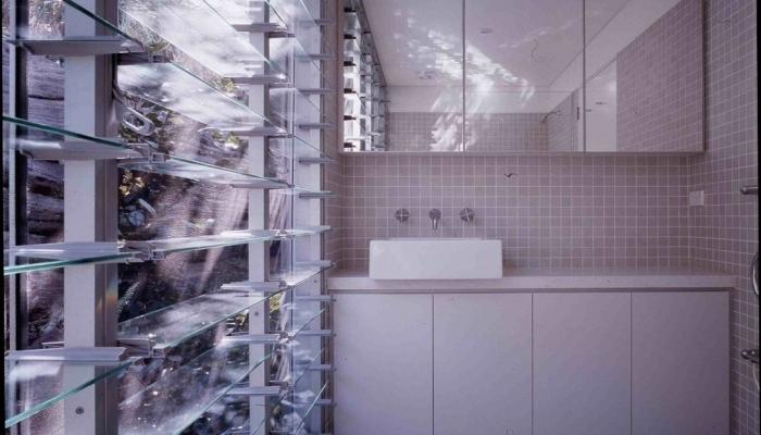 Whale Beach House Bathroom