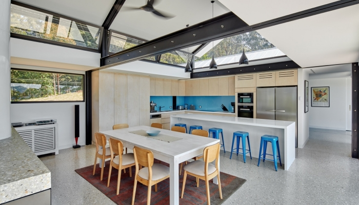 Kangaroo Valley House kitchen and dining